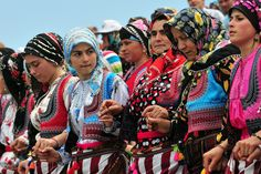 The Kadirga Festival is the most famous of all Turkish festivities. The festival takes place in one of the yayla (plateaus) about 25 kilometers from Tonya (a town in Trabzon Province).