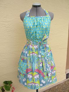 Very Retro and Flattering Apron. Aqua, Teal, Turquoise, Michael Miller Fabric, Amy Butler, Aprons Vintage, Bridal Gifts, Fabric Design, Polka Dots
