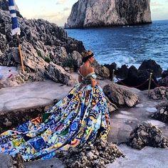 Runway ® - Celebrity Fashion Magazine - Dolce & Gabbana Presents: Alta Moda F/W 2014/2015