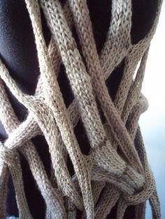 COBWEBS hand knitting shawl scarf pocho in beige von laslopezlas