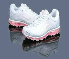 huge selection of d7c34 b5202 Nike Air Max 2010 Woman s Shoes