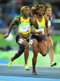 Shelly-Ann Fraser-Pryce Photos - Shelly-Ann Fraser-Pryce of Jamaica competes during the Women's Round 1 on Day 7 of the Rio 2016 Olympic Games at the Olympic Stadium on August 2016 in Rio de Janeiro, Brazil. Athletic Models, Athletic Women, Shelly Ann Fraser, Weight Loose Tips, Girls Run The World, Sport Top, Fit Black Women, Doja Cat, Trail Running