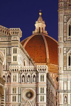 Il Duomo de Florencia. Catedral gótica construida entre 1386 y 1805. https://www.weplann.com/florencia/tour-privado