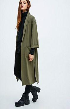 love//longcoat//kaki//black//shoes