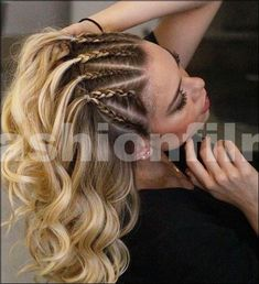 Le mie acconciature preferite - My favorite hairstyles - Very Short Hair, Braids For Short Hair, Short Hair Styles, Viking Hair, Biracial Hair, Cool Braid Hairstyles, Edgy Hair, Beach Hair, Hair Dos