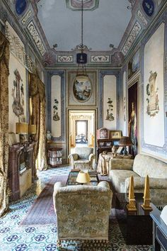 Reposted from Princess Vittoria Alliata di Villafranca's villa in Bagheria is surely the most romantic place to stay in Sicily. Photo by Serena Eller for Conde Nast Traveller. Luxury Home Decor, Cheap Home Decor, Beautiful Interiors, Beautiful Homes, Sicily Villas, Sicily Hotels, Italy House, Most Romantic Places, Wonderful Places
