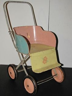 Tin Litho Toy Baby Doll Carriage Stroller (a bit before my time, but boy - is… Vintage Pram, Vintage Tins, Vintage Dolls, Baby Doll Furniture, Baby Doll Toys, Baby Buggy, Dolls Prams, Tin Toys, Binder