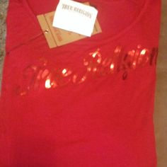 Nwt True Religion Cropped Dolman one size fits all ****PRICE REDUCTION*****. Authentic with tags and receipt. Red True Religion top. Price neg. 2 avail for sale True Religion Tops