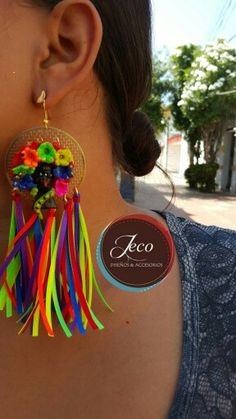 ARETES carnaval www.accesoriosjeco.com Tassel Jewelry, Jewelry Art, Jewelery, Havana Nights Party, Diy Accessories, Diy Necklace, Jewelry Patterns, Holidays And Events, Refashion