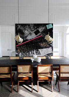 Dining room decor ideas | Sophisticated dining room wiht modern furniture  | www.bocadolobo.com #bocadolobo #luxuryfurniture #luxurydesign #bespoke #furnituredesign