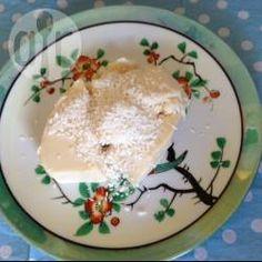 Kokospudding, Kokos, Dessert, Brasilianische, Brasilien, Nachspeise, einfach http://de.allrecipes.com/rezept/10927/brasilianischer-kokospudding--pudim-de-coco-.aspx