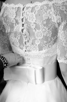 50s bow wedding dress