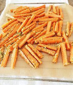 Sehr gesund, extrem lecker, superschnell zubereitet und kinderleicht: Möhren-Pommes als Abendsnack oder Fingerfood für den nächsten Besuch! Yummy!