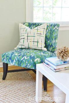 DIY Pillow DIY brushstrokes painted pillow DIY Pillow