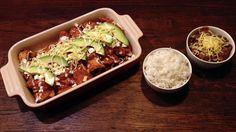 """""""Enchiladas Tapatías"""" - Huisgemaakte Tortillas gevuld met Scharrelkip en Kaas met rijst & bonenpuree"""