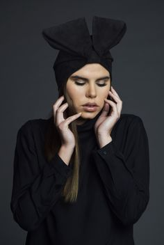 Pic by Barbara Migliara  First shooting for our #postgraduate #class in #fashionphotography. #Headbands by Zahra Sartipi #Photographer Alfonso Papa and our #photography #students #Model #newface #BeyondModels