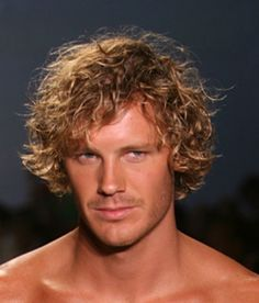 How to Conquer Curly Hair for Men: Beachy Curls