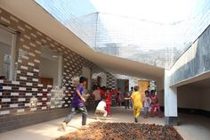 Image 5 of 11 from gallery of Mulan Primary School / Rural Urban Framework. Photograph by Rural Urban Framework School Architecture, Architecture Design, Kids Indoor Playground, Playground Ideas, School Places, Outdoor Classroom, Mirror Tiles, School Pictures, Classroom Design