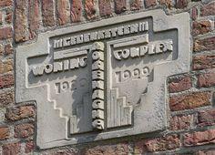 J.B. van Loghem, Rosehaghe, Hoofmanstraat 12b, Haarlem 1920-1922. Gedenksteen H.van den Eijnde 1921