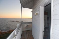 Lighthouse in Annapolis, United States. Chesapeake Bay room for rent for Commissioning Week.  Directly on the Chesapeake Bay in a…