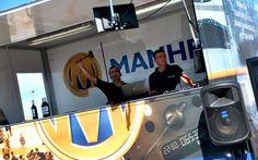 Los subastadores a punto de vender uno de los vehículos de ocasión incluidos en la Subasta Móvil LeasePlan de Sevilla del 21 de Octubre de 2015. Organizada por Manheim España
