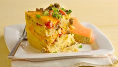 Slow Cooker Sausage Egg breakfast The all-American breakfast bake gets Healthified and made in the slow cooker! This savory sausage and egg casserole is perfect for brunch or as breakfast for dinner! Slow Cooker Breakfast, Breakfast Casserole Sausage, Breakfast Bake, Breakfast For Dinner, Egg Casserole, Brunch Casserole, Christmas Breakfast, Breakfast Muffins, Casserole Recipes
