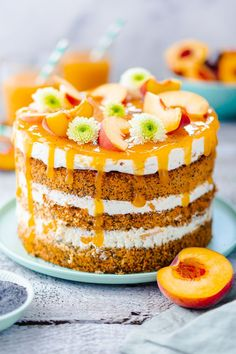 Fruity peach cake with poppy seeds My good luck - Here is a simple recipe for a. - Fruity peach cake with poppy seeds My good luck – Here is a simple recipe for a peach pie with a - Dessert Simple, Desserts For A Crowd, Fancy Desserts, Pie Recipes, Dessert Recipes, Cupcake Recipes, Dessert Presentation, Pear Cake, Gateaux Cake