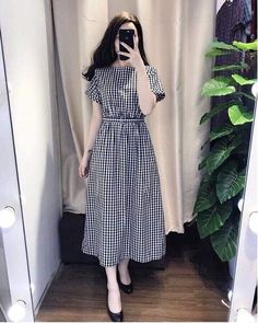 Swans Style is the top online fashion store for women. Shop sexy club dresses, jeans, shoes, bodysuits, skirts and more. Modest Dresses, Modest Outfits, Stylish Dresses, Skirt Outfits, Simple Dresses, Cute Dresses, Casual Dresses, Frock Fashion, Modest Fashion