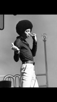 Michael Jackson - Wanna be starting something… The Jackson Five, Jackson Family, Janet Jackson, Photos Of Michael Jackson, Michael Jackson Bad Era, Afro, King Of Music, The Jacksons, Sexy