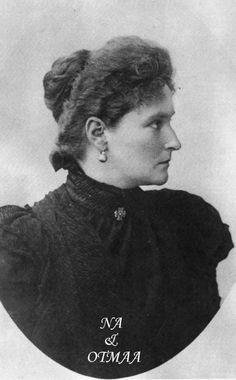 Alix circa 1916