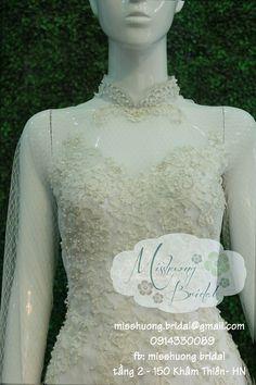 Chất liệu : Vải lưới trắng Đính : Pha lê, đá, hạt trai Sau lưng chữ V Lace Wedding, Wedding Dresses, Bride, Fashion, Bride Gowns, Wedding Bride, Wedding Gowns, Moda, Bridal