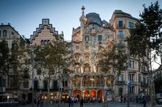 Barcelona, Spain $1000 Euro, Hot