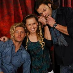 "lol I love Jensen's ""yeah I'm wearing her hair; and? I don't see the problem here"""