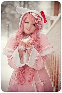 Pink haired lolita with hello kitty ear hat Estilo Harajuku, Harajuku Mode, Harajuku Girls, Harajuku Fashion, Kawaii Fashion, Lolita Fashion, Cute Fashion, Asian Fashion, Gyaru Fashion