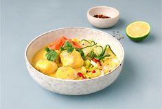 Familiens fiskeboller i gul curry à la Berit Nordstrand - Lofoten Fish Dinner, Lofoten, Fish And Seafood, Potato Salad, Panna Cotta, Curry, Eat, Ethnic Recipes, Desserts