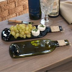 Used wine bottles get new lease of life as plates #bartoys http://drinksfeed.com/used-wine-bottles-get-new-lease-of-life-as-plates/