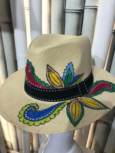 Painted Hats, Mexican Hat, Hat Decoration, Cowgirl Hats, Diy Hat, Ankle Bracelets, Fabric Painting, Different Styles, Panama Hat