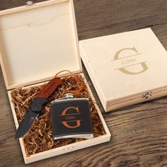 Treat your groomsmen to our Personalized Stirling Wood Groomsmen Gift Box Set. Gift sets include a wood gift box, a suede flask & wood-handled pocket knife. Personalised Wooden Box, Wooden Keepsake Box, Personalised Gifts For Him, Personalized Items, Groomsmen Flask, Groomsmen Gift Box, Groomsman Gifts, Groomsmen Invitation, Wooden Gift Boxes