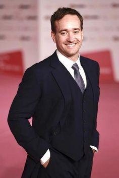 Matthew MacFadyen. The perfect British male voice. Nice to look at. And very good acting too.