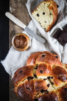 chocOlate brioche with butter & fleur de sel caramel cream