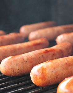 There's nothing like the taste of a fresh bratwurst straight from the grill. Try our recipe for fresh bratwurst made with our Blue Ribbon Bratwurst Seasoning. Bratwurst Recipes, Jerky Recipes, Bangers Recipe, How To Make Sausage, Sausage Making, Veggie Delight, Chicken Sausage, Molecular Gastronomy, Food Presentation
