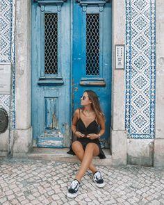 Lisbon, Portugal Pic Pose, Foto Pose, Summer Pictures, Travel Pictures, Foto Casual, Surfer, Foto Instagram, Portugal Travel, Dubai Fashion