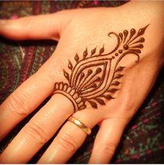 Simplistic henna..