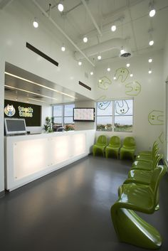 """Clínica dental pediátrica """"Tooth Tales"""" / Tooth Tales - Pediatric Dental Office - Archkids. Arquitectura para niños. Architecture for kids. Architecture for children."""
