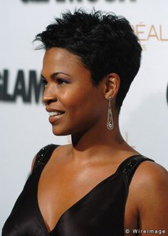 nia long If I had the nerve, I'd definitely go for the Nia Long haircut.