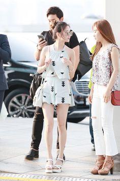 Snsd seohyun yuri airport fashion style