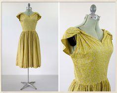 vintage 40s print dress // 1940s yellow by FoxandBearVintage, $58.00