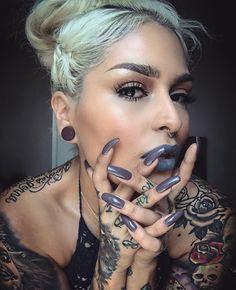 @lora_arellano via Instagram || Melt Cosmetics