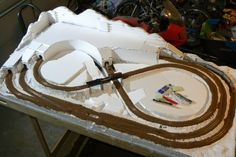 Dan Becker's Model Trains - Building a Table Ho Train Layouts, N Scale Layouts, N Scale Model Trains, Train Tunnel, Build A Table, Train Table, Ho Trains, Christmas Train, Train Set