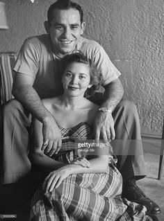 Yogi Berra and his wife Carmen at home, Yogi and Carmen were married for 65 years; she died in March 2014 at 85 New York Yankees Stadium, New York Yankees Baseball, Damn Yankees, Yankees Fan, Better Baseball, Baseball Stuff, Baseball Cards, Baseball Quotes, Yankee Stadium